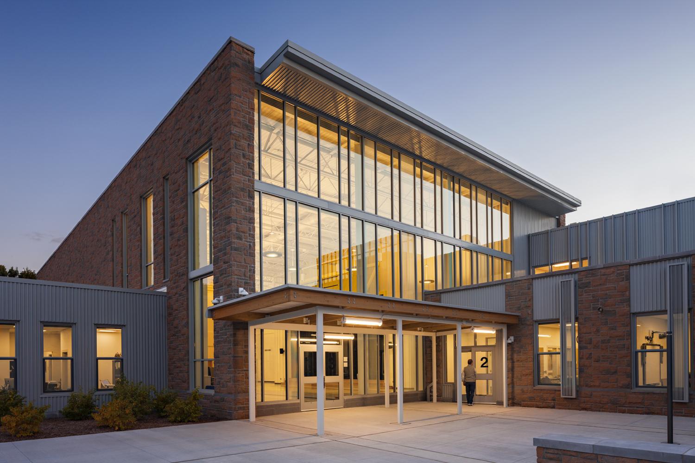 Freeman kennedy elementary school flansburgh architects for Exterior design school
